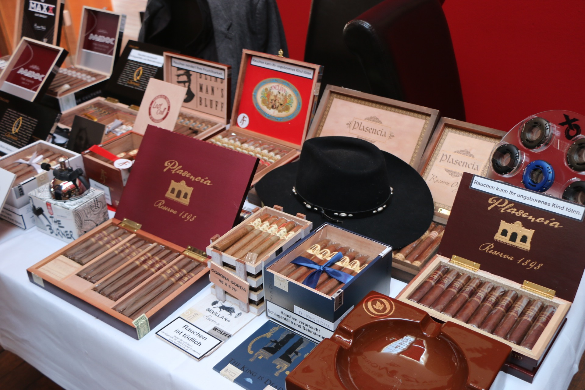 Wolfertz GmbH Alec Bradley Plasencia Caldwell cigars