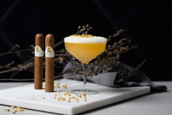 Seedlip's Tea (alkoholfrei) & Davidoff Winston Churchill The Original Collection